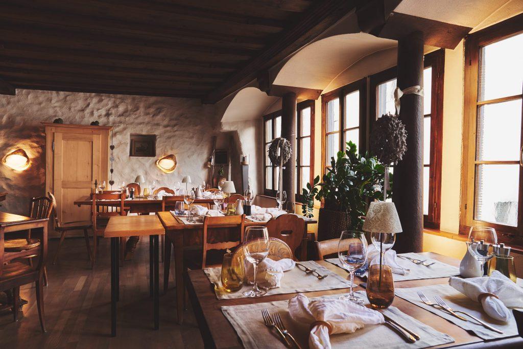 Mieten Sie die Bar Vinobar Sottoscala und das Restaurant Ristorante La Scala in Rapperswil für Hochzeiten, Geburtstage und Firmenfeiern.
